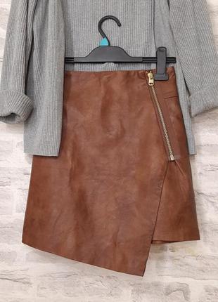 Стильная кожаная юбка с молнией на запах с асимметрия. юбка из эко кожи!