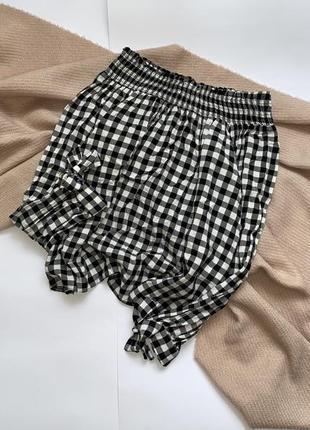Стильный вискозный укороченный топ, блуза, кофта в клетку с открытыми плечами new look