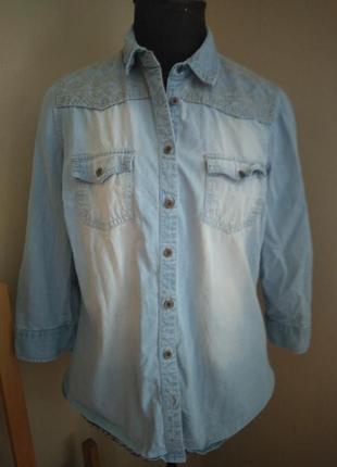 Джинсовая рубашка с вышивкой летняя