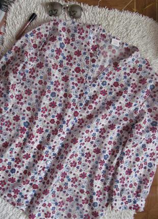 Квітчаста блуза з натуральної тканини1