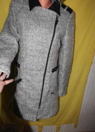 Шикарное пальто,10 размер,новое,dept