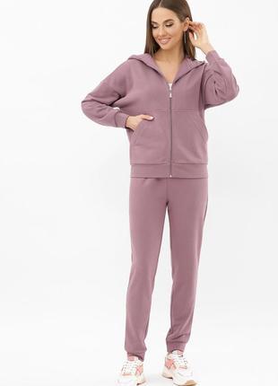 Спортивный костюм темно лилового цвета