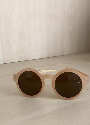 Солнцезащитные очки in travel
