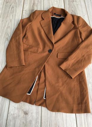 Стильный актуальный удлинённый пиджак жакет блейзер zara asos h&m тренд