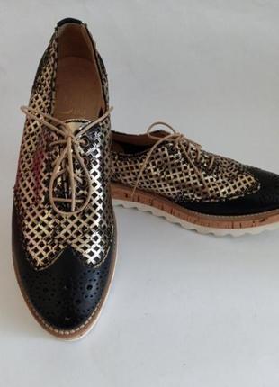 Стильные кожаные туфли оксфорды италия