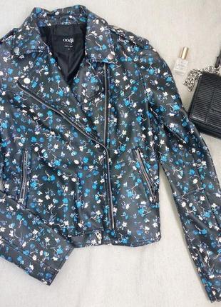 Красивая куртка косуха bershka