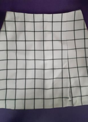 Белая юбка в клетку