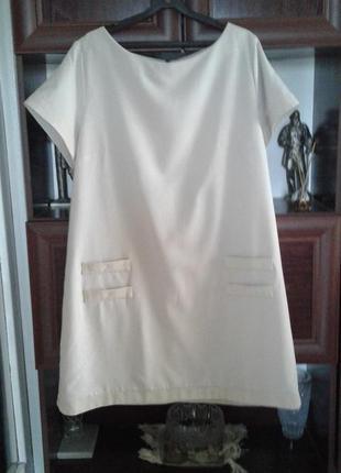 Лаконичное бежевое платье с коротким рукавом батал kristpol collection польша