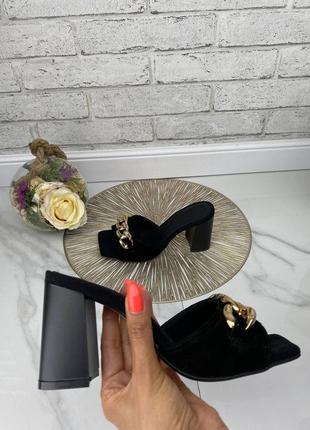 Шлепки шлепанцы женские черные замшевые на высоком каблуке из натуральной замши черного цвета