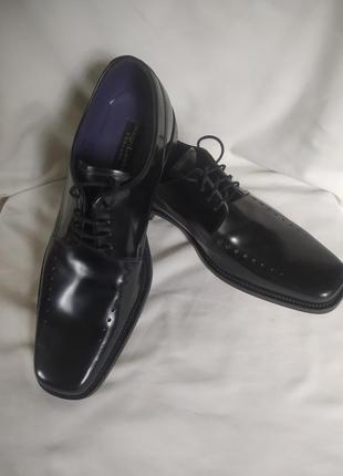 Шикарные фирменые мужские туфли