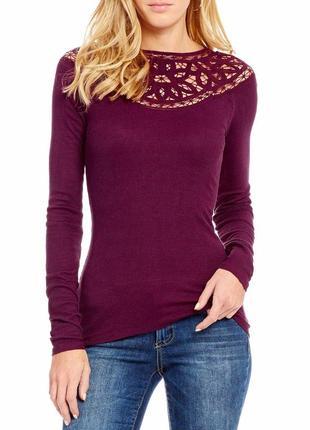 Блуза лонгслив с кружевом по плечам и вырезом сзади plus 1x