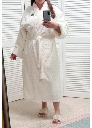 Белый шикарный плюшевый халат  george