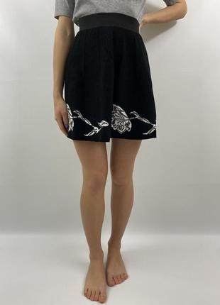 Чёрная юбка с узором цветов bluegirl blumarine