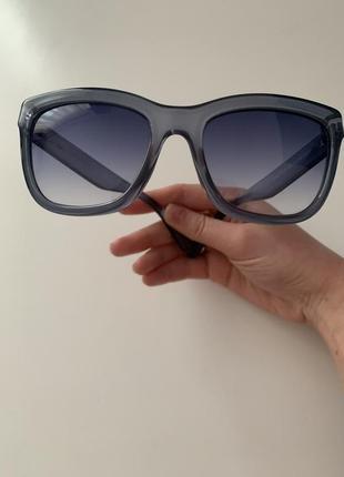 Брендові сонячні окуляри enrico coveri