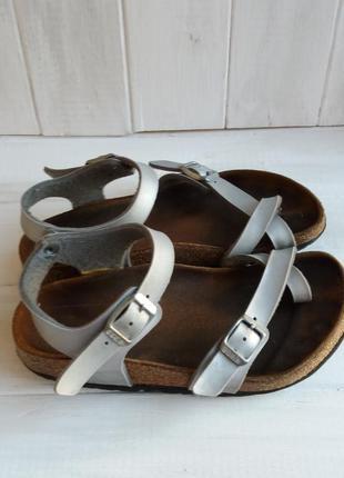 Фирменные ортопедические сандали  на вашу девочку