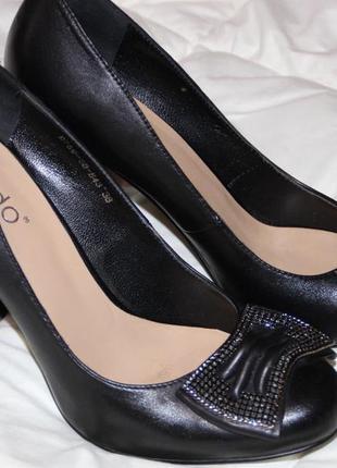 Туфли кожа 38 р