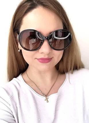 Женские круглые солнцезащитные очки в роговой оправе