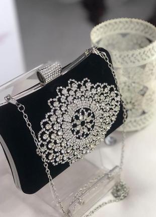 Краствый нарядный клатч элегантная сумочка на цепочке