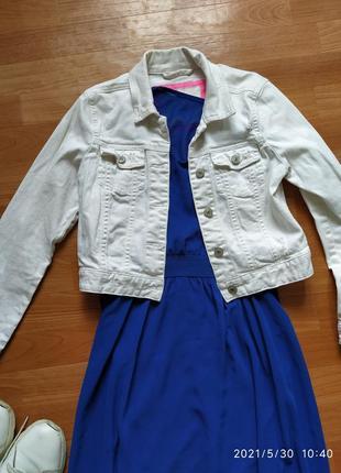 Короткий белый коттоновый  пиджак