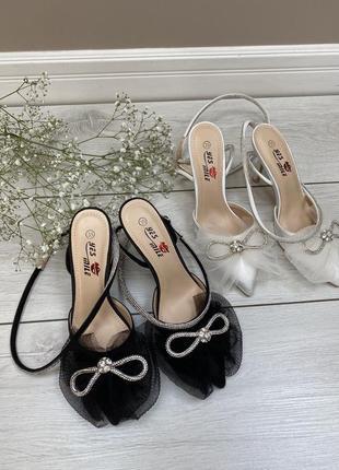 Туфлі з бантиком