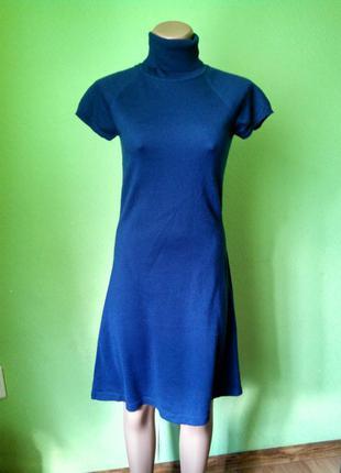 Трикотажное платье водолазка силуэт-а
