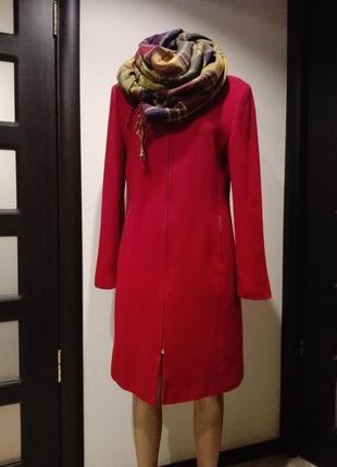 Супер пальто красное  прямого покроя шерстяное очень теплое