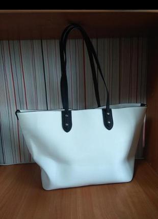 Красивая белая большая сумка с длинными ручками,сумочка