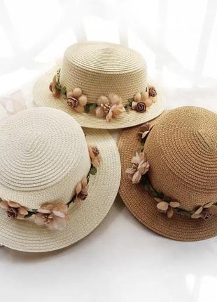 Классическая французская шляпа шляпка с маленькими 5см полями и цветами обхват 58см