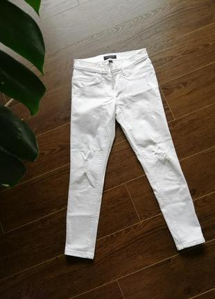 Белые, укорочение джинси