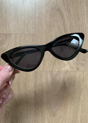 Стильные узкие солнцезащитные очки лисички в стиле vogue3 фото