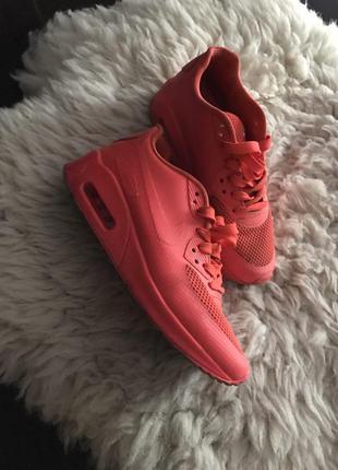 Женская спортивная обувь nike air max