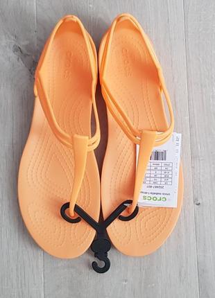Босоножки crocs цвет оранжевый, новые