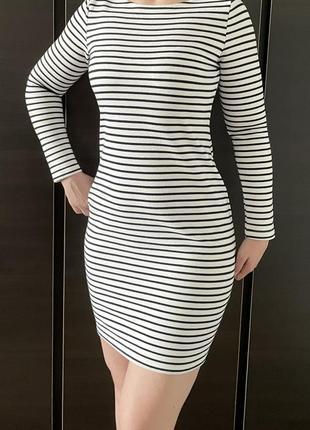 Платье-тельняшка с открытой спиной, длинный рукав