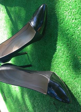 Классические черные туфли лодочки 36-37 размера