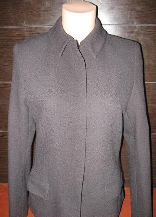 Класический лаконичный пиджак в деловом стиле из 100%шерсти от calvin klein