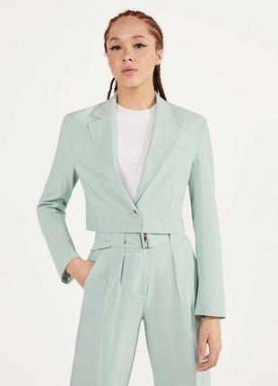 Женский пиджак bershka