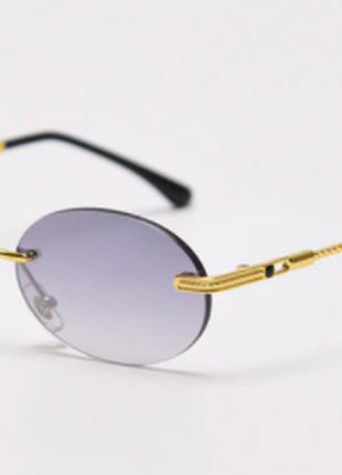 Овальные дымчатые очки