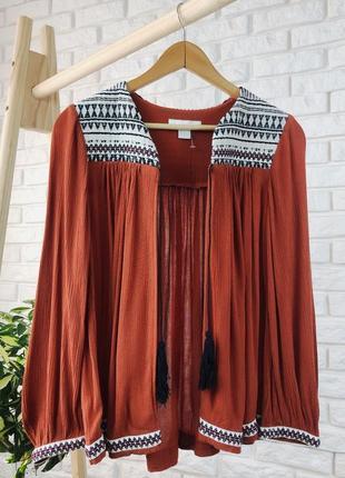 Крутая накидка пончо в стиле бохо кирпичного цвета h&m с вышивкой