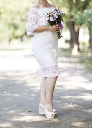 Очень красивое свадебное платье с кружевом