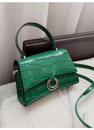 Зеленая изумрудная стильная лаковая сумка на кнопке
