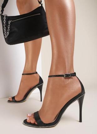 Босоножки на шпильке/каблуке