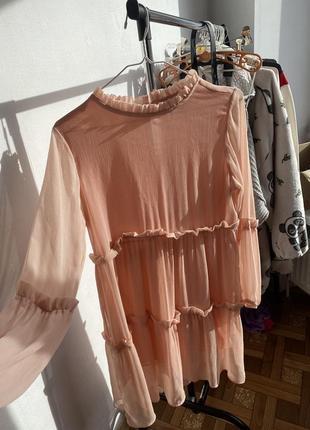 Нарядное легкое платье своьодного фасона