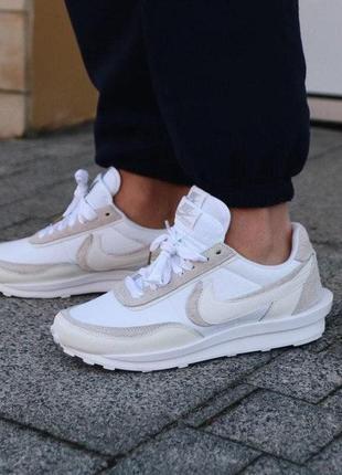 Белые женские замшевые кроссовки nike ld waffle sacai