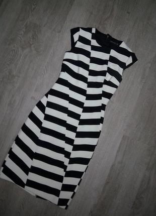 Платье в полоску люксового брэнда karen millen6 фото