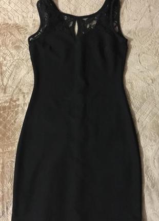 Короткое платье резинка
