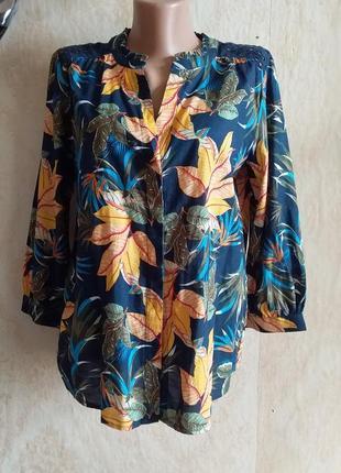 Красочная блуза рубашка с тропическим цветочным принтом прошва спинка