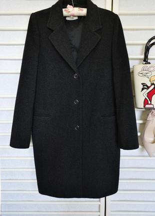 Теплое шерстяное пальто esisto concept италия.