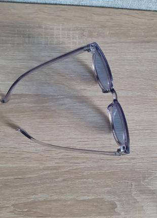 Сонцезахисні окуляри2 фото