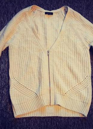 Крутой свитер кардиган