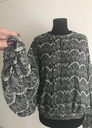 Шифоновая блузка с широким рукавом
